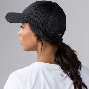 Lululemon Baller Space Mesh black hat